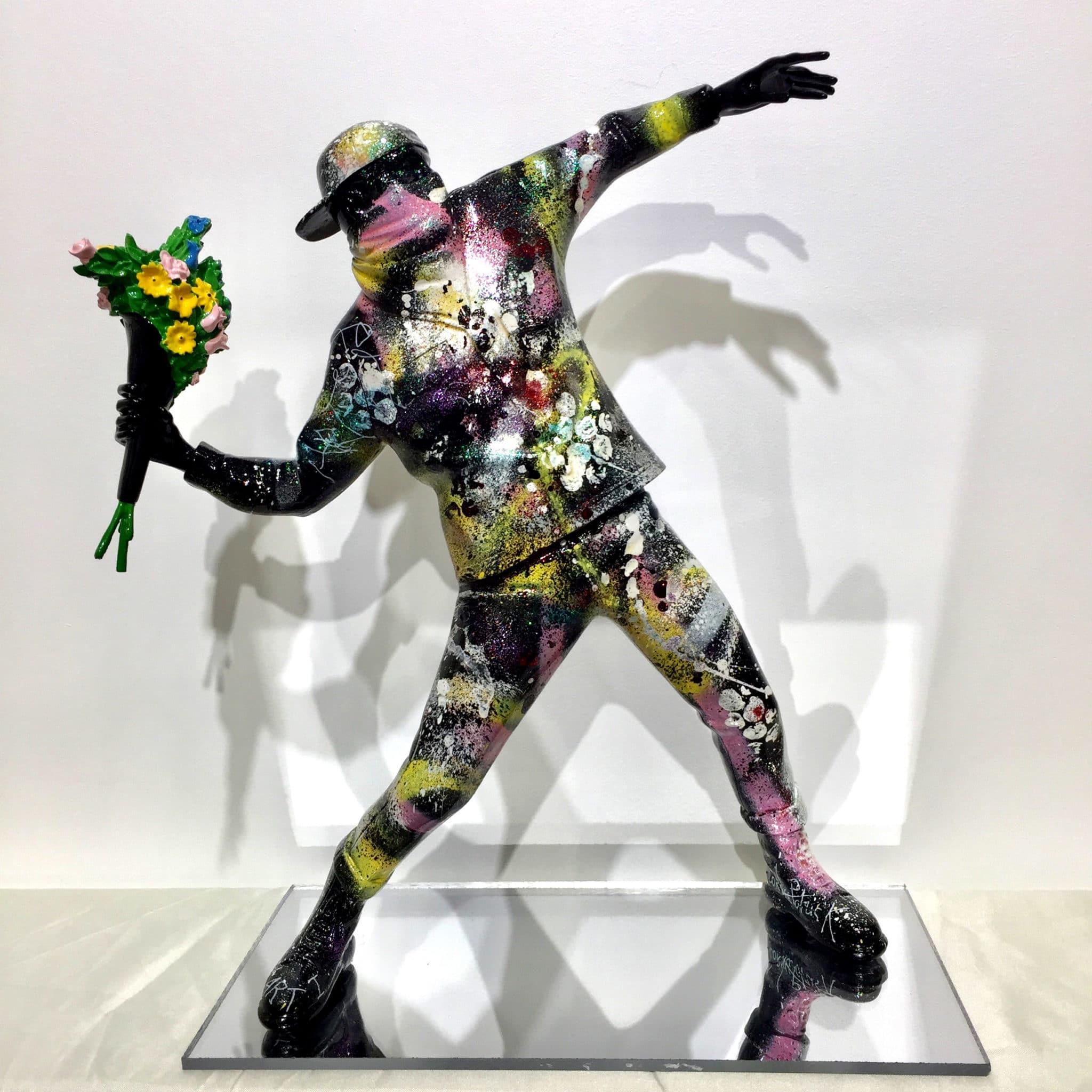 Sculpture flower bomber d'aprés Banksy